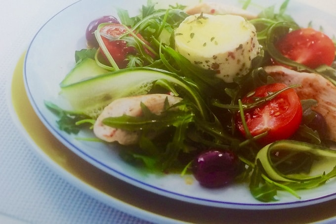 Salat eingelegter Ziegenkäse Fromka