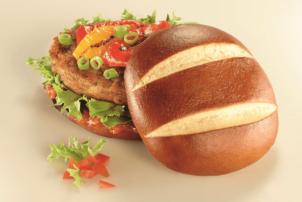 Spring Fantasy Burger von Ditsch mit Brezel als Burger Bun