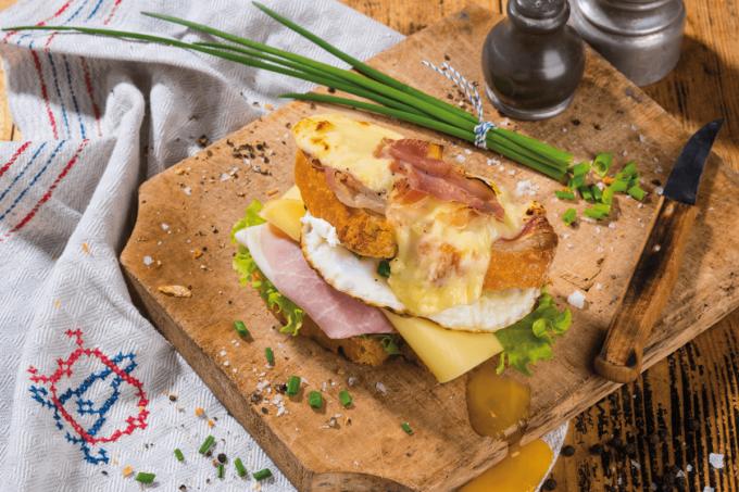 Ein Rezept von Bel für das Sandwich StrammerLeerdammer belegt mit Schinken, Salat und Käse