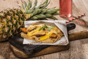 Die Brottasche Hawaii Chicken von Bel mit Leerdammer Käse, Chicken und Ananas