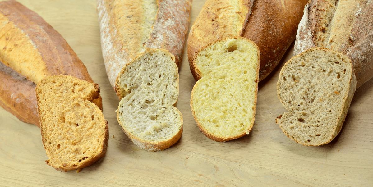 Die vier Brote von der Biebelhausener Mühle eignen sich ideal für den Sommer, denn sie machen eine ansprechende Figur bei Grillen. Die vier Pain-Brote gibt es in den Sorten Tomate,Waldknofel, Mais und Zwiebel.
