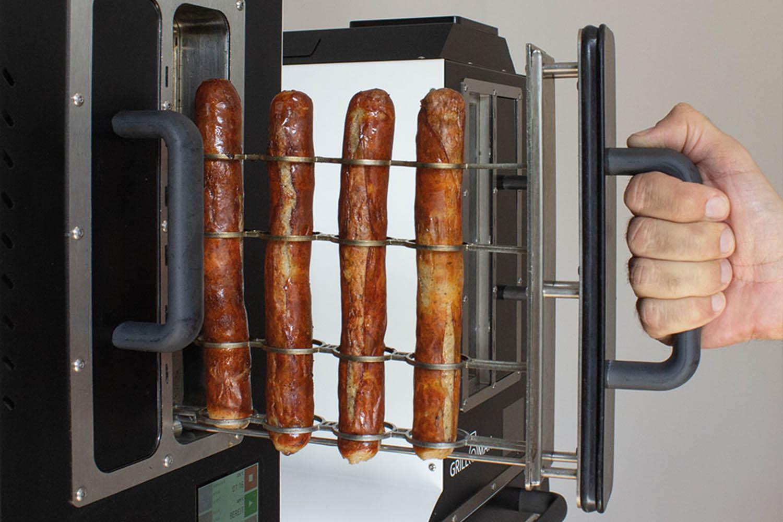 3-D gegrillte Bratwurst im Grillomax Elite   snacocnnection