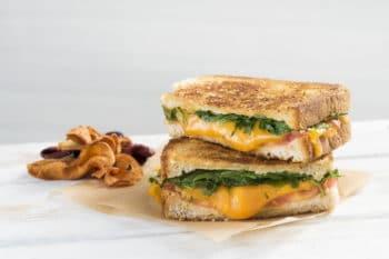 Sandwich, belegtes Brot mit Cheddar Käse von Dairygold