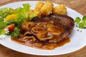 Fleischgericht mit Sauce von Homann