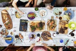 Mahlzeit_Essen_Zusammen_Tafel_Food Professionals