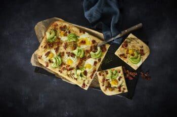 Pizza Bacon Ei Foccacia