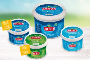 Verschiede Sorten von Frischkäse Produkten von Arla Buko. Unter anderem Feine Kräuter, Balance und der Sahnige