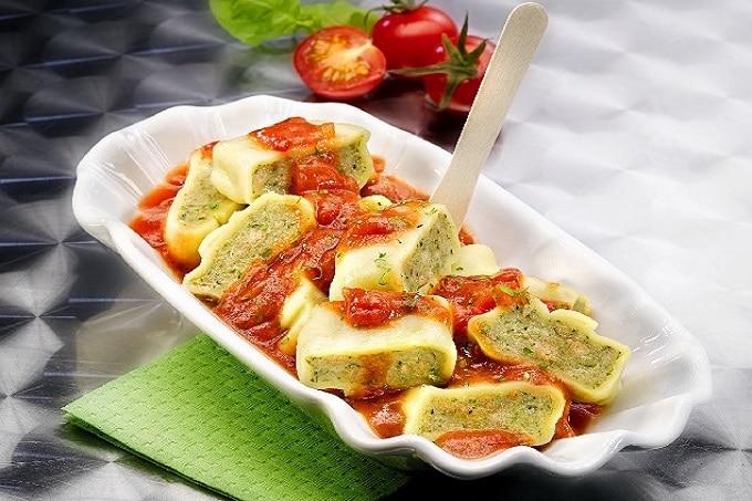 Maultaschen von Bürger mit Tomatensauce