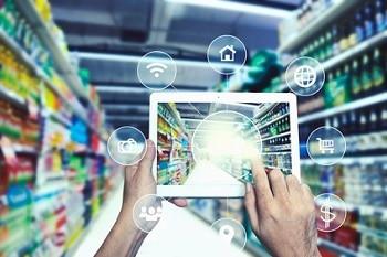 Gastro Trends Tablet mit Augmented Reality im Supermarkt Wandel LEH Lebensmitteleinzelhandel