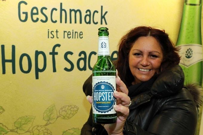 Craft-Beer_Frau_Hoga_messe