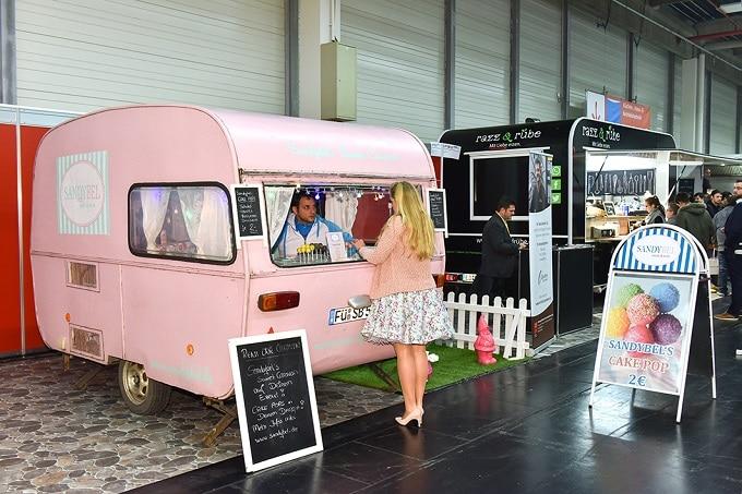 Food-Truck_rosa_HOGA_Messe