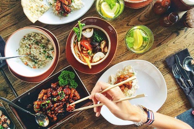 Snack_Gastro_Asia_Stäbchen