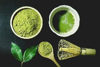 Matcha Pulver Verarbeitung grün