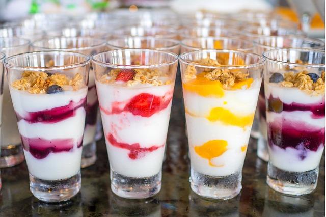 Joghurt bunt Müsli Kinder