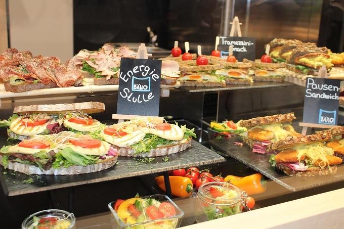 Auslage Snacks Sandwich Stulle Brot