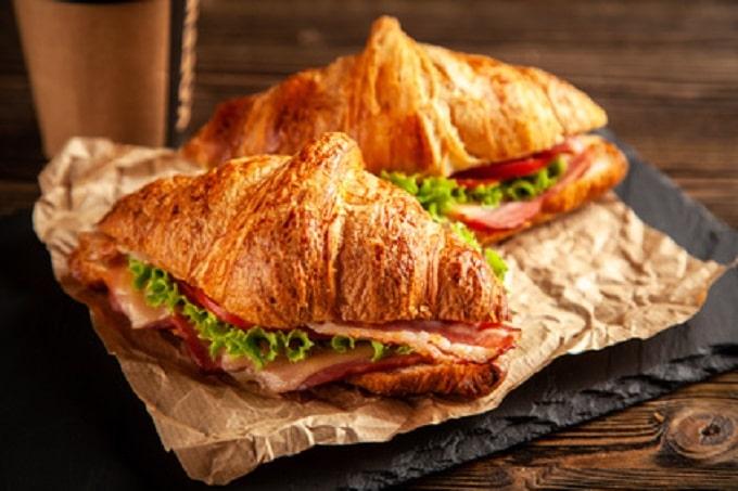 Backwaren Croissant Papier Schinken