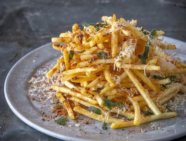 Pommes Kartoffelbeilage Käse