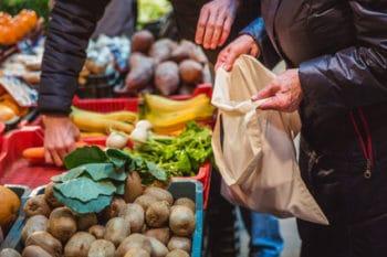 Supermarkt Jute Beutel Gemüse verpackungsfrei