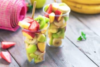 Obst To Go Becher Erdbeere Banane Kiwi