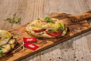 Brottasche Tomate Käse überbacken Bel Groupe