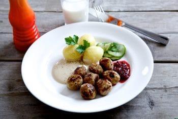 Fleischbällchen vegetarisch Fleischersatz Kartoffeln Gericht Sauce