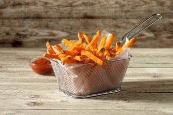 Süßkartoffelpommes Fritteuse Ketchup Farm Frites Gastro