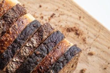 Brot verschiedene Sorten Scheiben