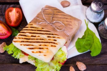 Panini Sandwich Salat To Go Papier Verpackung