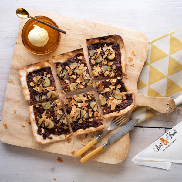 Flammkuchen mit Nutella und Banane Fresch & Frisch   snackconnection