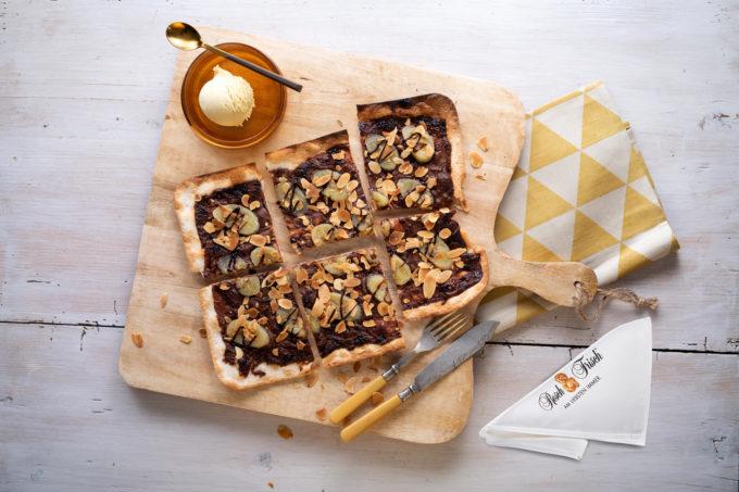 Flammkuchen mit Nutella und Banane Fresch & Frisch | snackconnection
