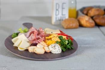 Frühstücksteller mit Käse und Salami Rational | snackconnection