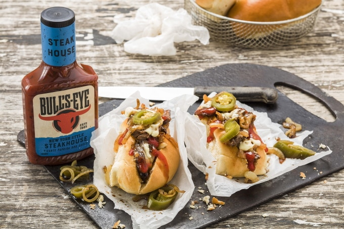 Bull´s Eye Sauce mit Cheesesteak-sub Kraft Heinz