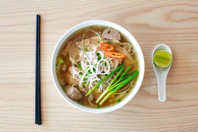 Vietnamesische Nudelsuppe Pho Suppen