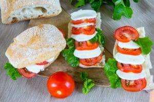 Mozzarella Tomaten Brötchen