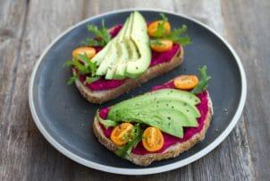 Backwaren Smörrebröd avocado rote beete   snackconnection