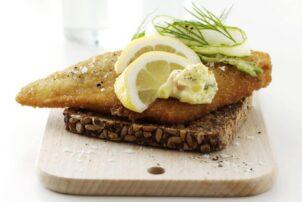 Sandwich smoerrebroed mit Backfische