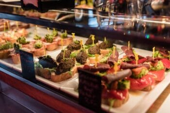 Backwaren Smörrebrod in der Tivoli Food Hall Dänemark