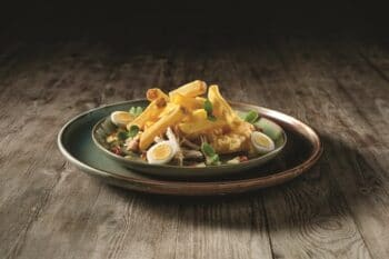 Chef´s Harvest Pommesgericht mit Ei und Salat