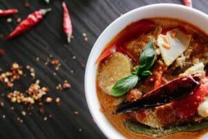 Thai Red Curry mit Paprika und Fleisch