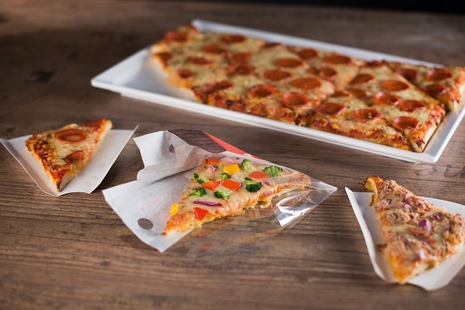 Pizza in dreieckform
