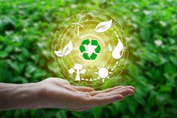 Recycling Logo auf der Hand