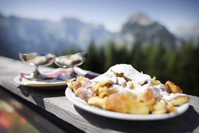 Kaiserschmarrn Östtereich Mehlspeise   snackconnection