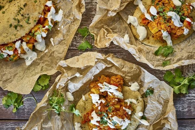Indisches Tikka Curry im Nan Brot