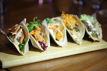 Tacos mit verschiedenen Inhalten
