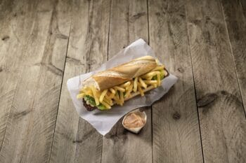 Backwaren_Mitraillette_Sandwich_Farm_Frites