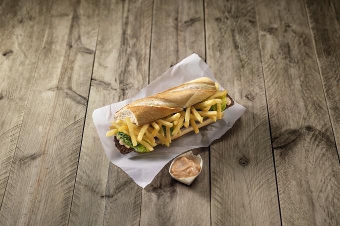 Backwaren_Mitraillette_Sandwich_Farm_Frites