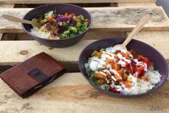 Schüssel mit Reisgericht To Go