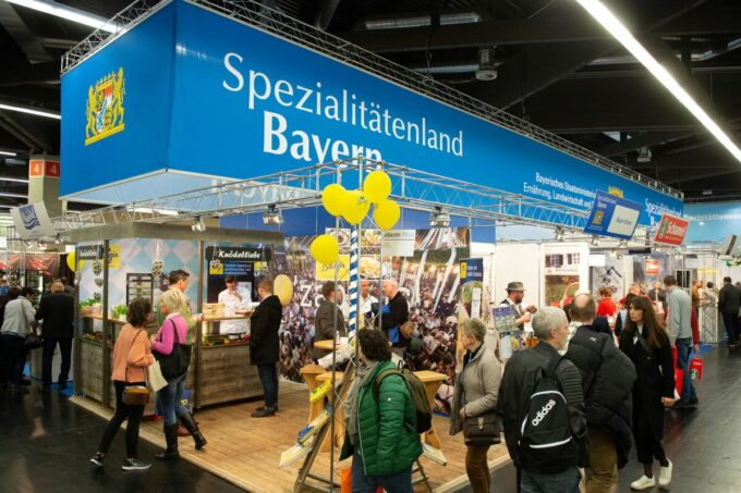 Hoga Messe Messestand Spitzialitätenland Bayern / snackconnection
