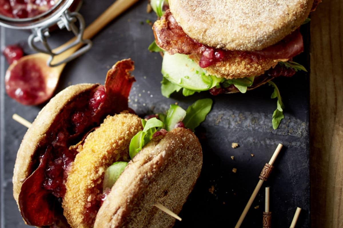 Rezept Alpenhain Back-Camembert auf Cheeseburger / snackconnection