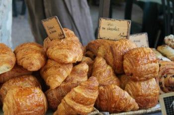 Croissant Pain au Chocolat Frühstücksbackwaren Frankfreich